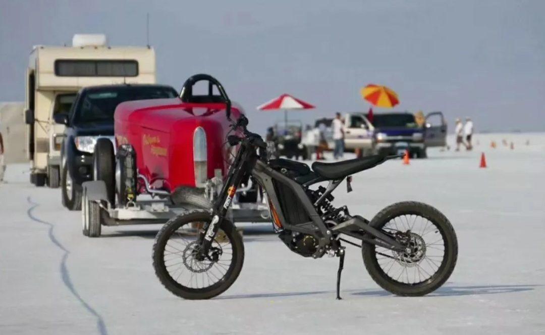 160 km/h rekord sebesség a Sur-ron elektromos motorral
