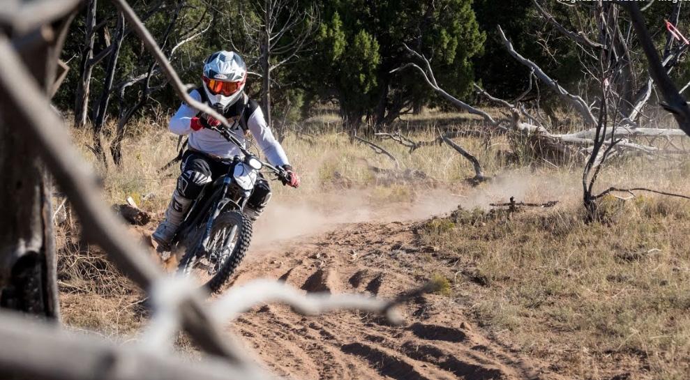 1. helyezés hagyományos versenyen Sur-Ron elektromos motorral